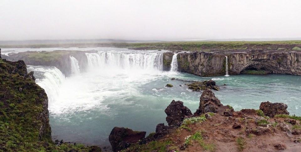 Cascada Godafoss de los dioses paganos Islandia 01