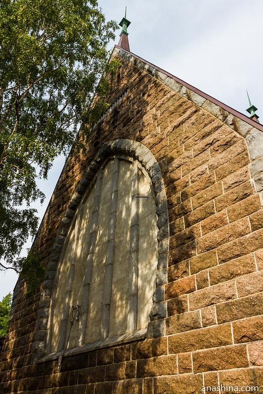 Заложенное окно алтаря, Кирха, Койвисто, Приморск