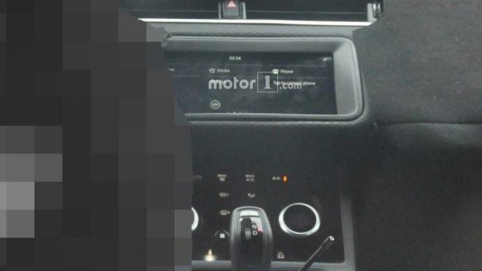 new-range-rover-evoque-interior-spy-photos (4)