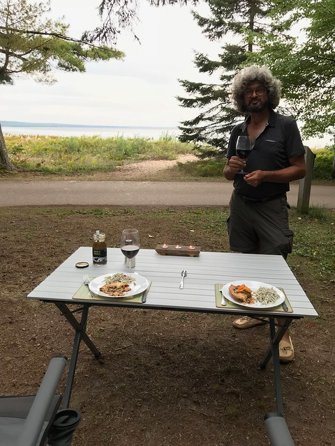 Pancake Bay - Dinner facing the lake with Pierre