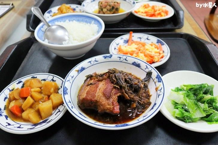 42675253000 783ff90b04 b - 聯歡小西門|台中超過40年老字號懷舊盒餐,燉肉飯、蛋黃瓜仔肉飯好吃!