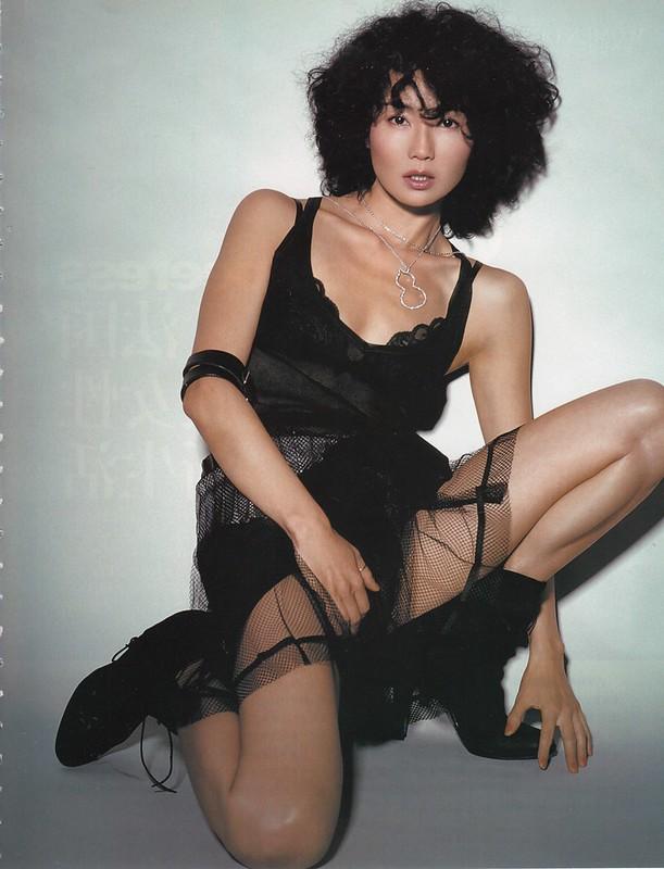 maggie-cheung_cosmopolitan-china-2004-10 (9)