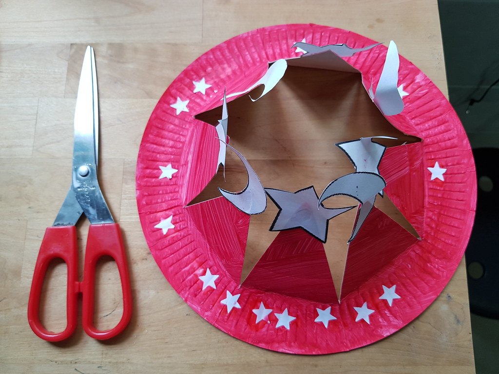 DIY, Paper Plate Hat, Singapore, RainbowDiaries, Top Parenting Blogger