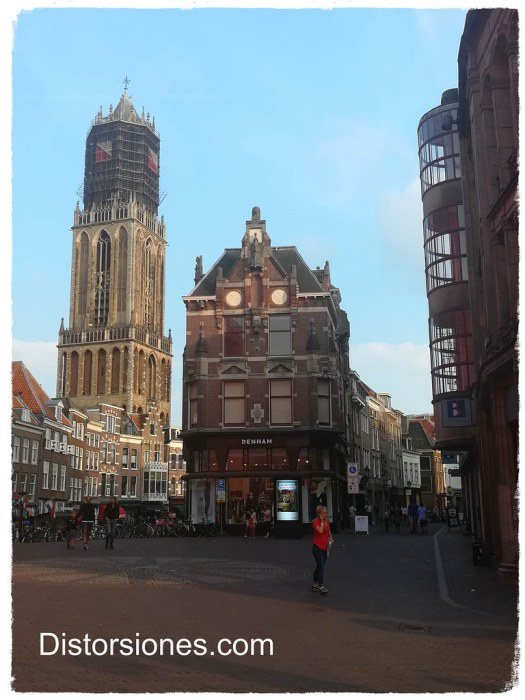 El Dom desde el Stadhuisbrug