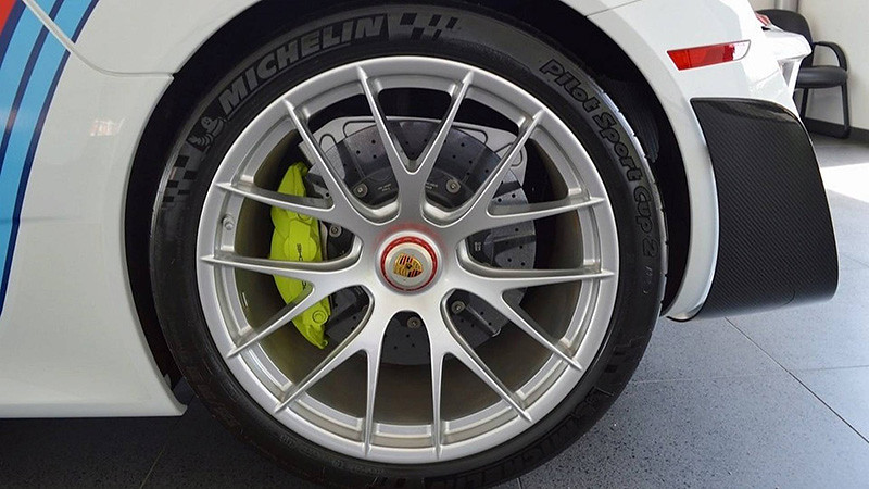 porsche-918-spyder-weissach-for-sale (2)