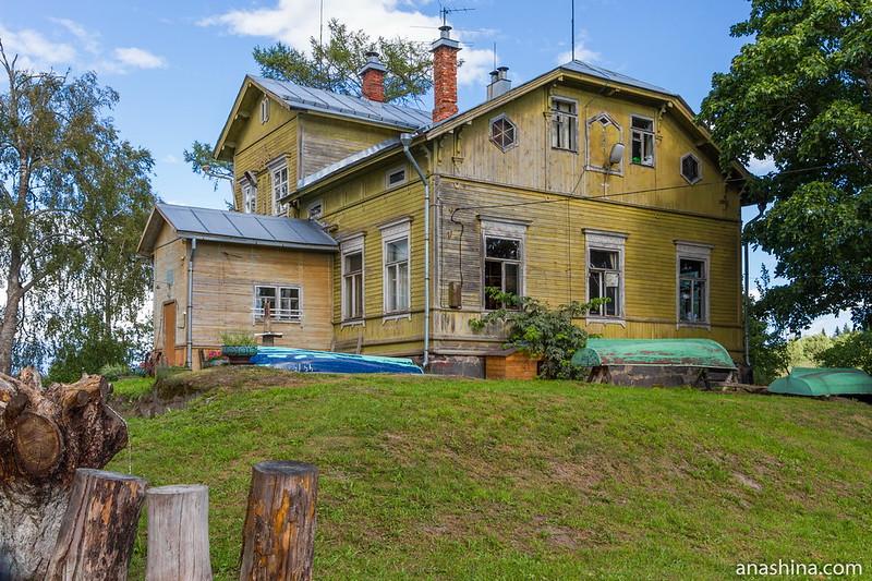Главный дом бывшей финской усадьбы Пукинниеми, Берёзово