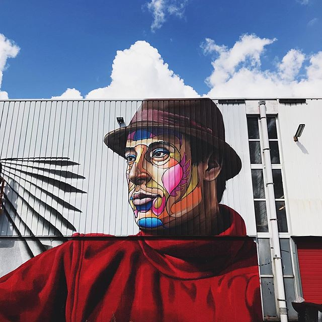 #streetart #powwow #rotterdam #igrotterdam #festival #vsco #vscocam #wanderlust #travel #colours #face #blue #sky #clouds #ignetherlands #streetartistry #visitrotterdam #sundaymorning