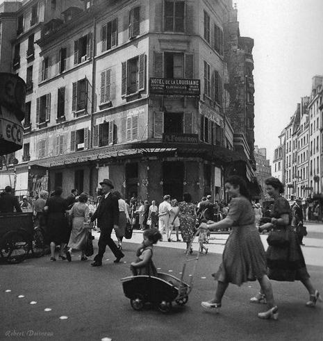 Doisneau Saint Germain des Prés Hôtel de la Louisiane Paris 1950s Uti 465