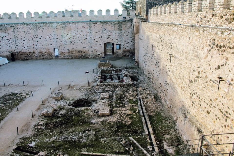 baños arabes interior Castillo Doña Berenguela Ciudad Real