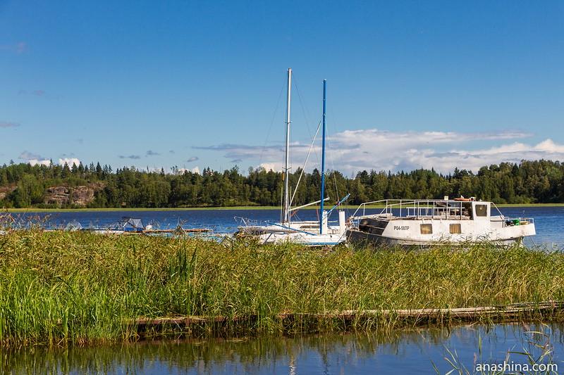 Стоянка катеров и яхт в Берёзово, Ладожское озеро