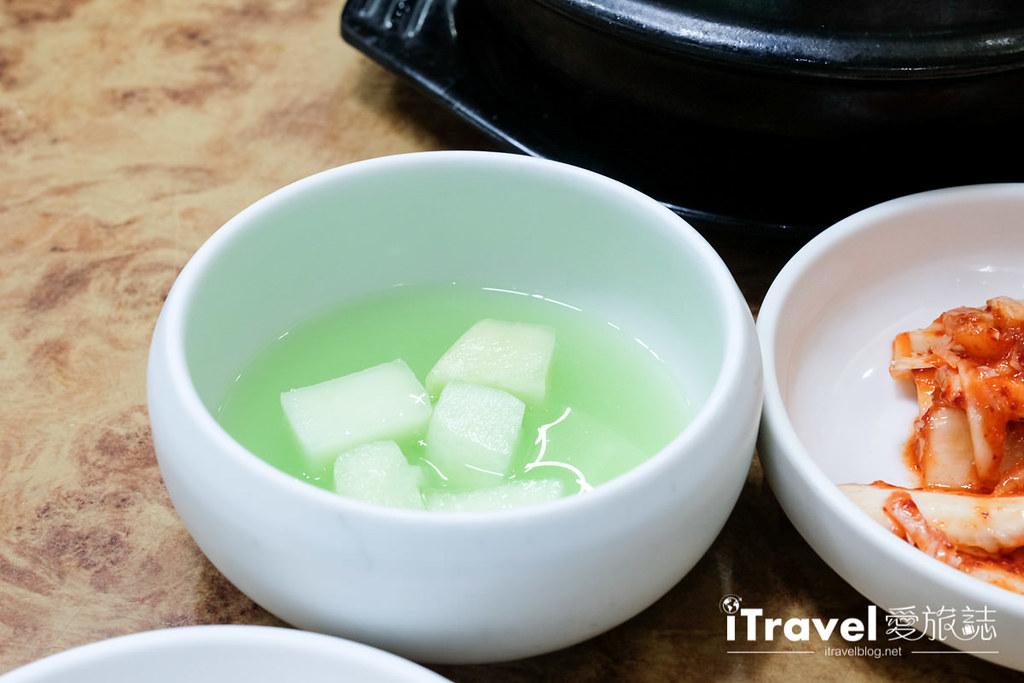 釜山地雷餐廳 五福蔘雞湯 (17)