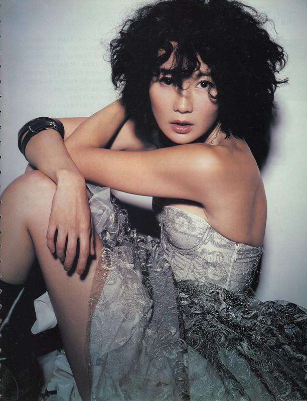 maggie-cheung_cosmopolitan-china-2004-10 (8)