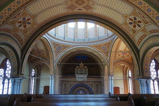 Inside the Neolog Synagogue Sion, Oradea
