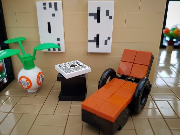 Lilium Eco House MOC. Resting chair.