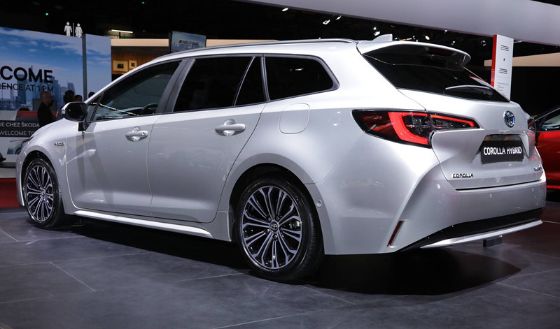toyota-corolla-sports-tourer (5)