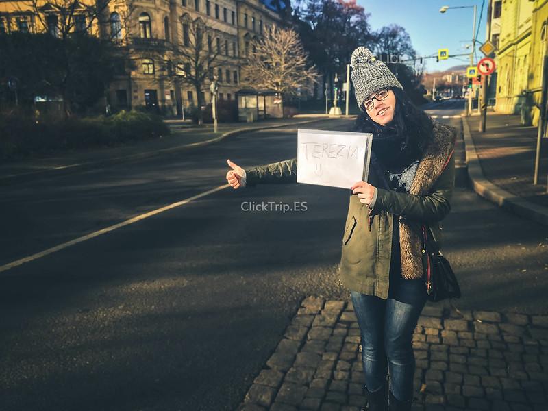 Haciendo autostop en Terezín