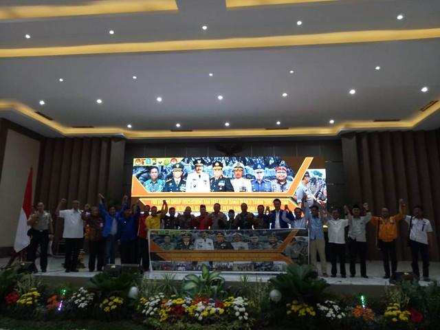 Pimpinan Parpol di Jatim sepakat untuk kampanye damai dalam Pemilu 2019 saat hadir di acara Deklarasi Kampanye Damai yang dilakukan Polda Jatim, Kamis (27/9)