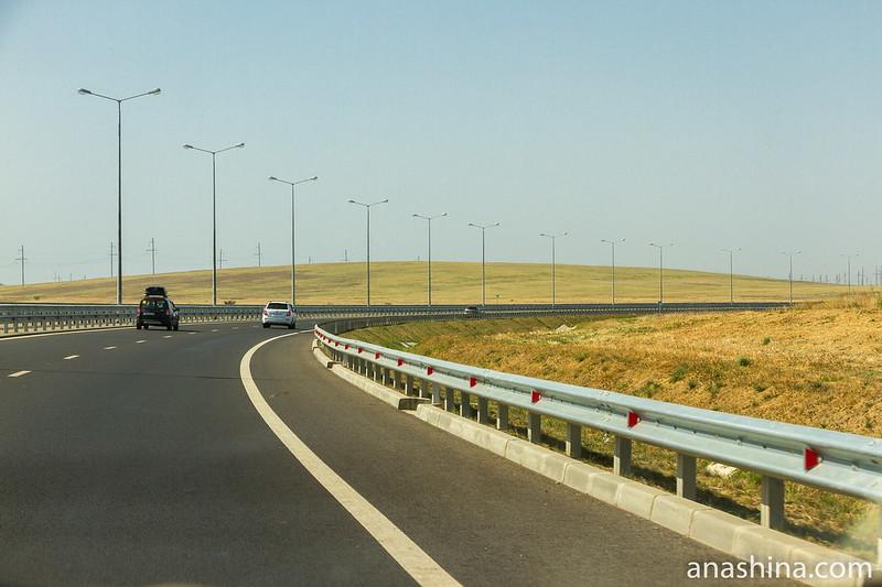 Автодорожный подход к Крымскому мосту