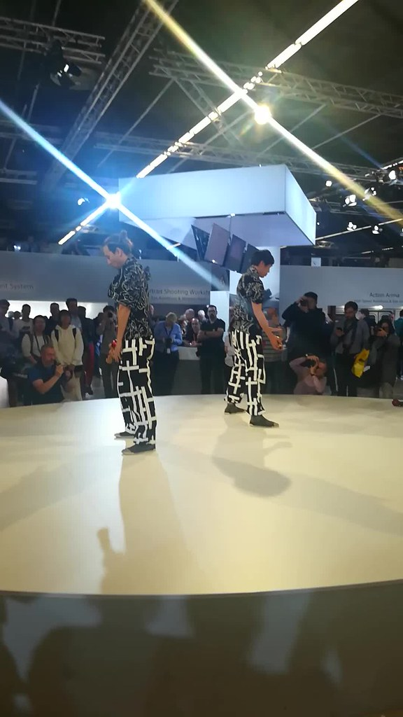 El chino Kudeiro baila como Locomía