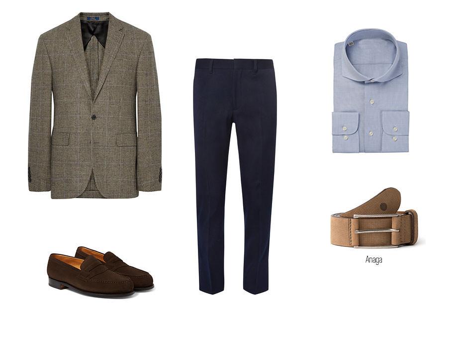 Smart-casual con pantalones azules, camisa azul, blazer, zapatos marrones de ante masculinos y el cinturón Anaga de blue hole