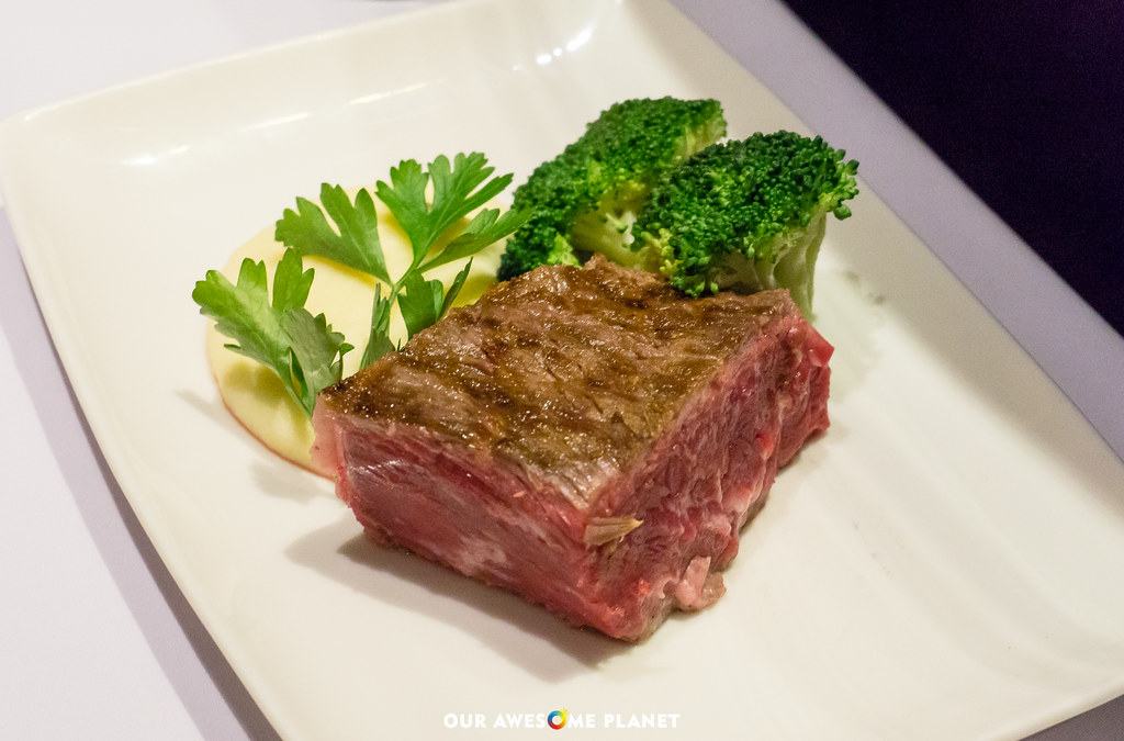 PAL X WOLF GANG'S STEAKHOUSE