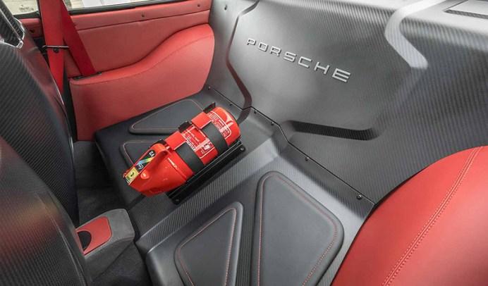 gunther-werks-porsche-911-in-solar-red (8)