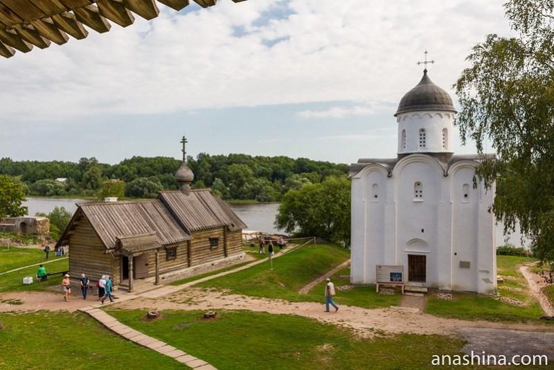 Георгиевская церковь и церковь Димитрия Солунского в Ладожской крепости, Старая Ладога