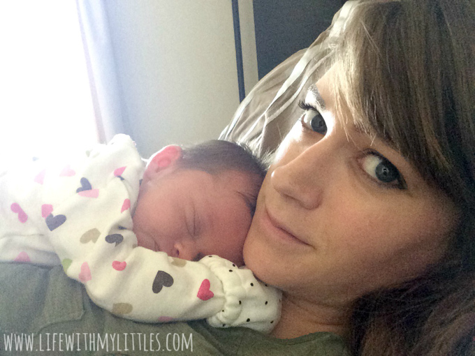 Worried about the first hours, days, and weeks after childbirth? Here's a helpful post about what to expect postpartum filled with tips, advice, words of caution, and personal experiences to help you prepare!