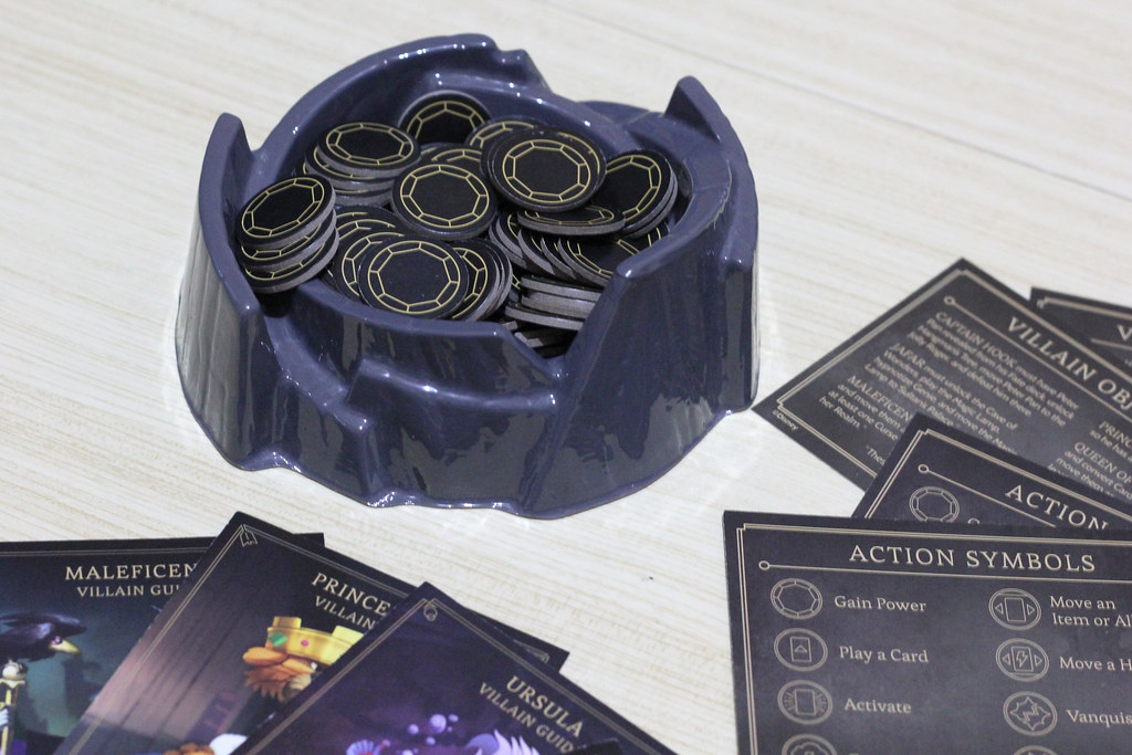 Villainous - Cauldron and Booklets