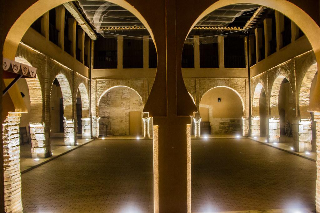 Patio mudejar Palacios de los Maestres de Calatrava Museo Nacional del Teatro Almagro Ciudad Real 01