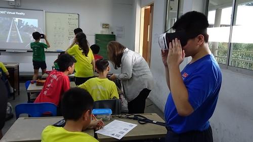 將VR技術帶入坤成小學活動課程 (2)