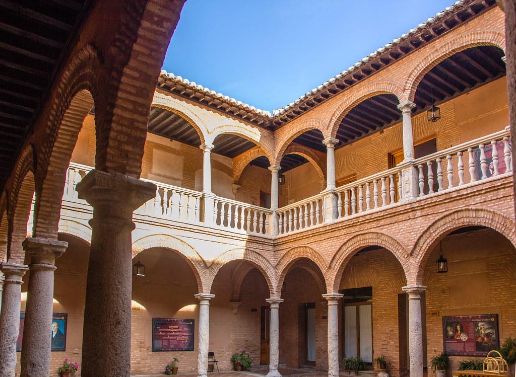 Palacio de los Fugger o Almacen de los Fucares patio Almagro Ciudad Real 02