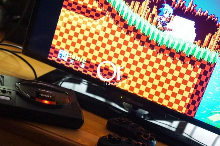 SEGA MD 復古遊戲機|SEGA MEGA DRIVE FLASHBACK,找回小時候每天玩的音速小子、光明與黑暗還有戰斧,高畫質輸出搭配無線控制器,回味兒時電視遊樂器