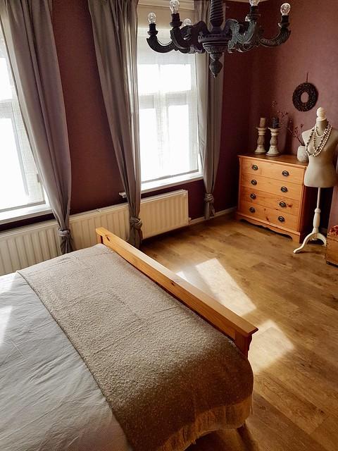 slaapkamer landelijke stijl houten kroonluchter