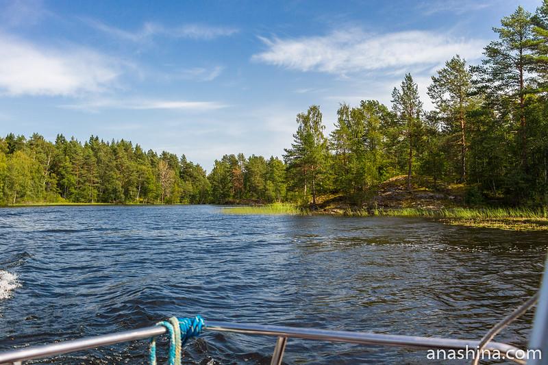 Протока между островами, Ладожское озеро