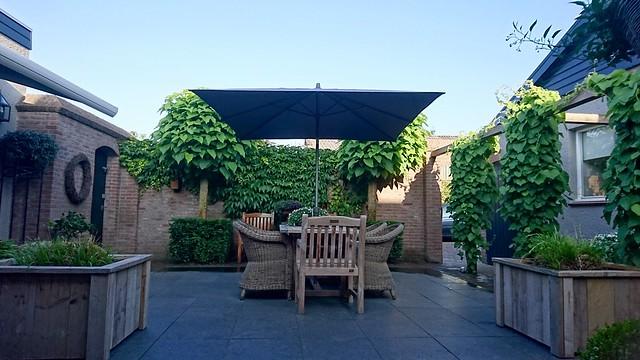 Landelijke tuin terras bungalow