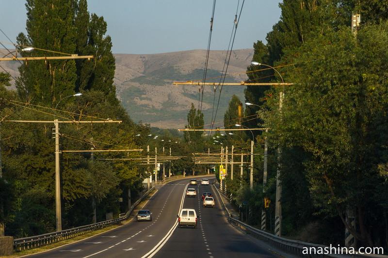 Дорога из Симферополя в сторону Южного берега Крыма