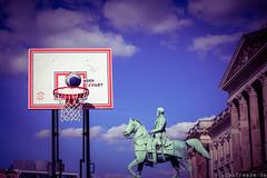 Basketball vorm Schloss