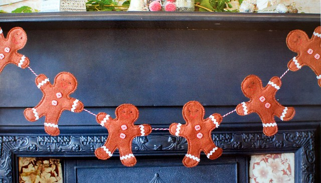 Gingerbread Men Garland (new pattern)