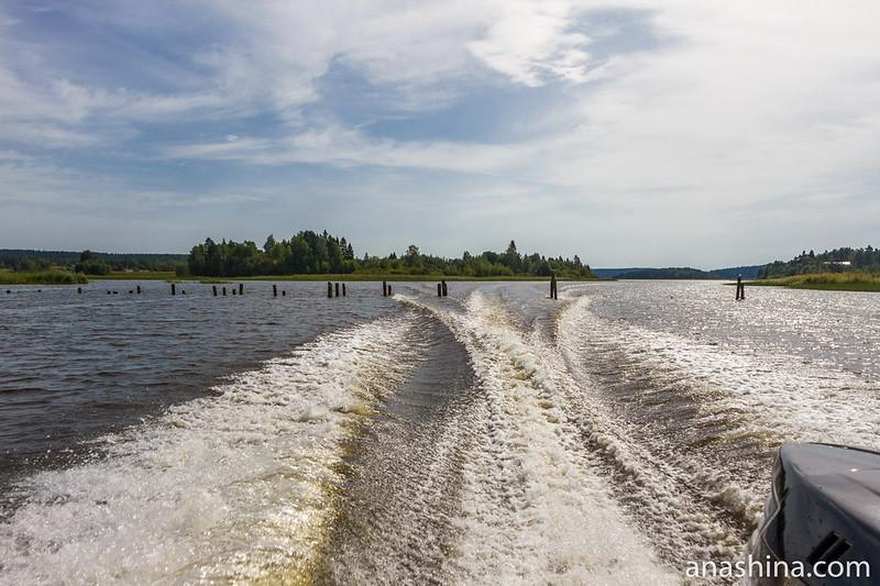 Опоры старого моста (?), Ладожское озеро