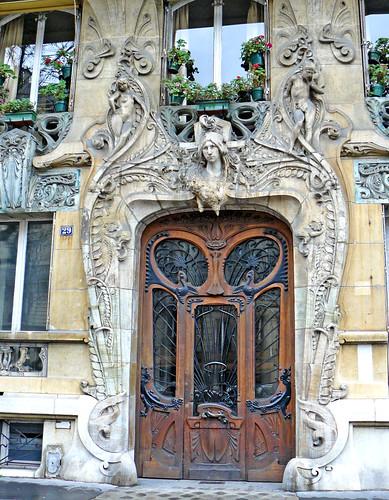 Door and window (by Claudecf)