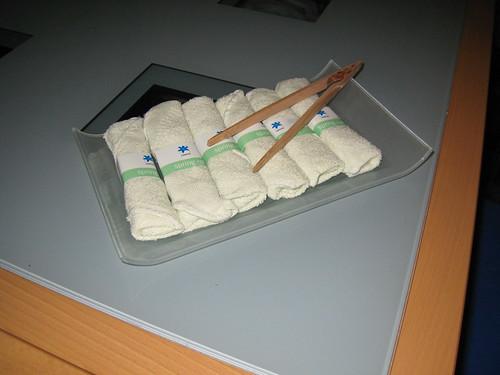 freshening towelettes