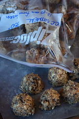 chocolate chunk oatmeal cookies frozen