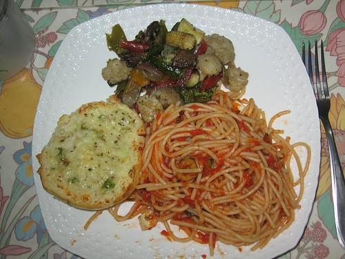 sunday dinner (by kapsi)