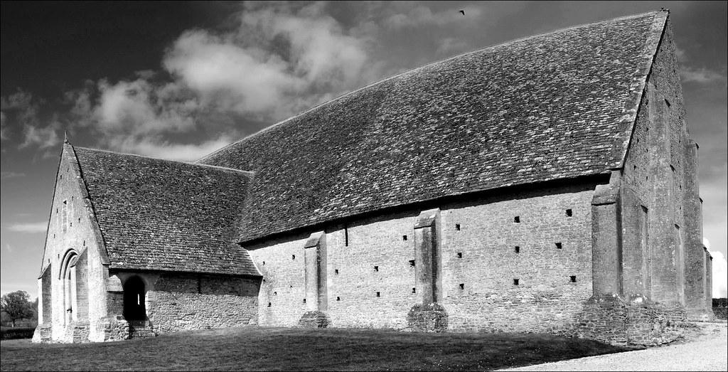 Great Coxwell tithe barn - Autostitch