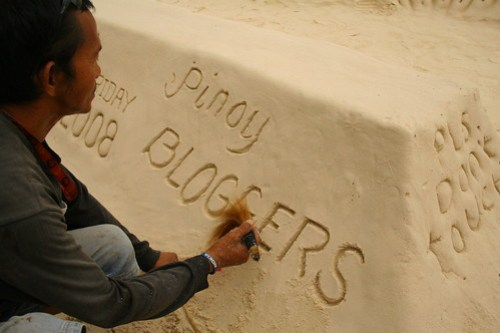 Pinoy Bloggers written on sand