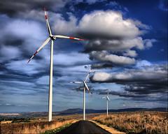 cloud wind farm palo etna turbine hdr catania alternative windfarm vento ragusa energia impianto dinamo turbina vizzini alternativa vestas endesa elica kwh eolico elettricita pulita generatore eolican