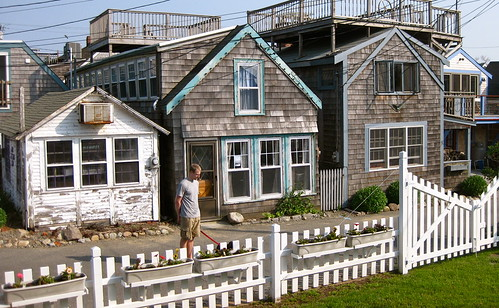 Houses by the sea in Essex, MA