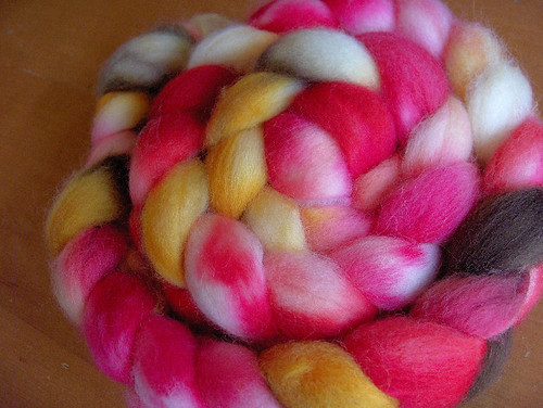 Cherub - roving from Yarn Love