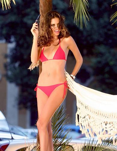 adriana_lima_bikini_red_3_big